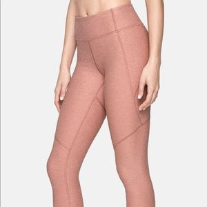 Blush 3/4 outdoor voices Warm Up leggings